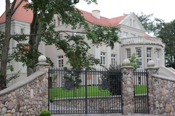 pałac_w_pacółtowie1